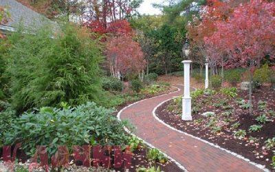 Фактура является элементом гармонии в ландшафтном дизайне участка