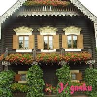 Красивый деревенский дом